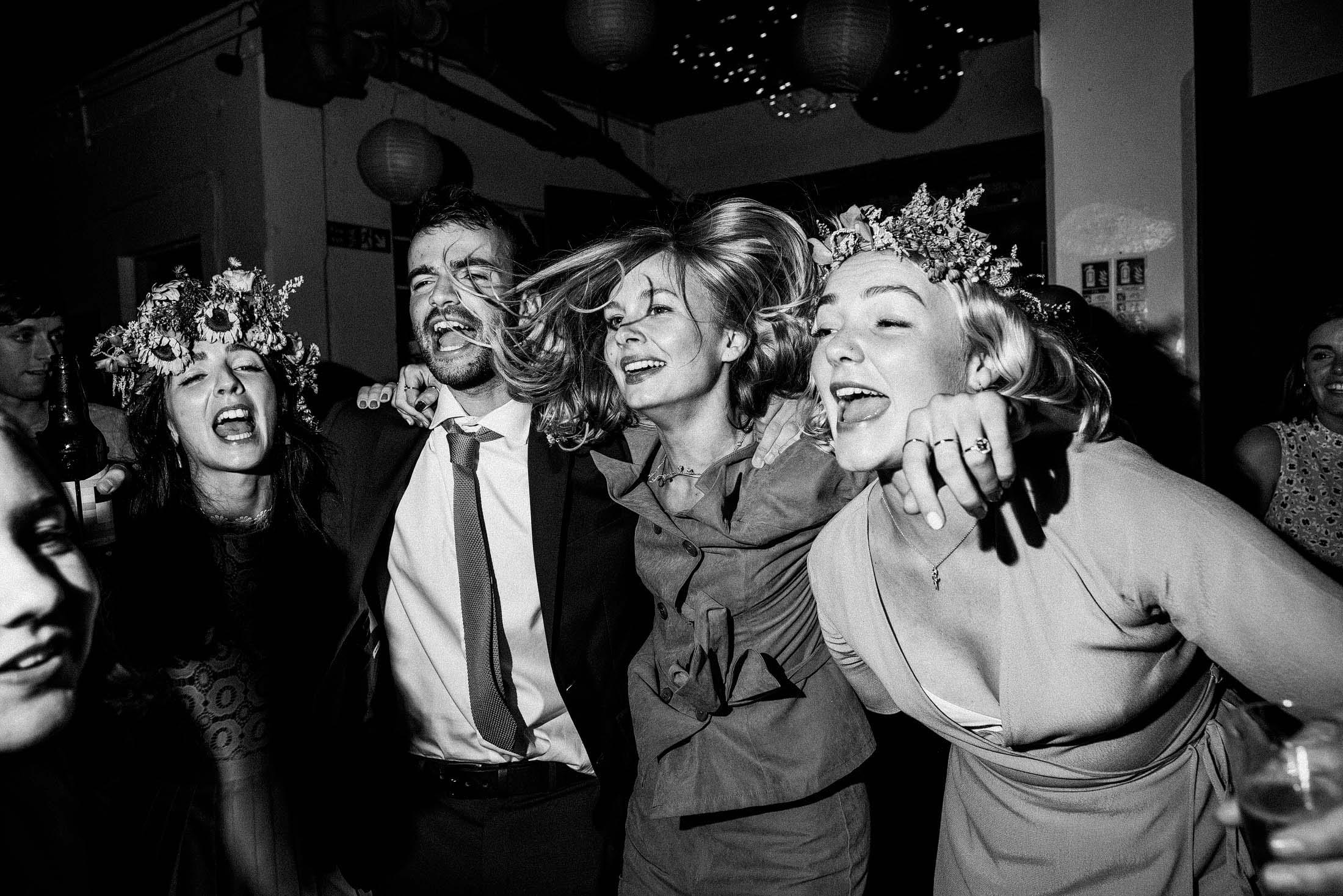 the best documentary wedding photographers